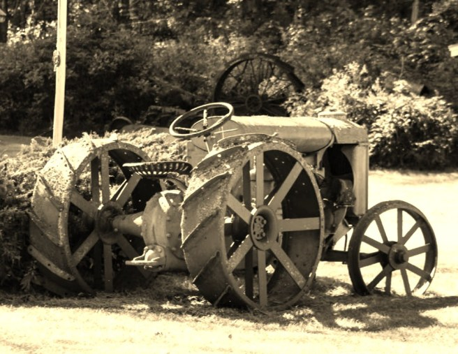 black and white tractor (3)